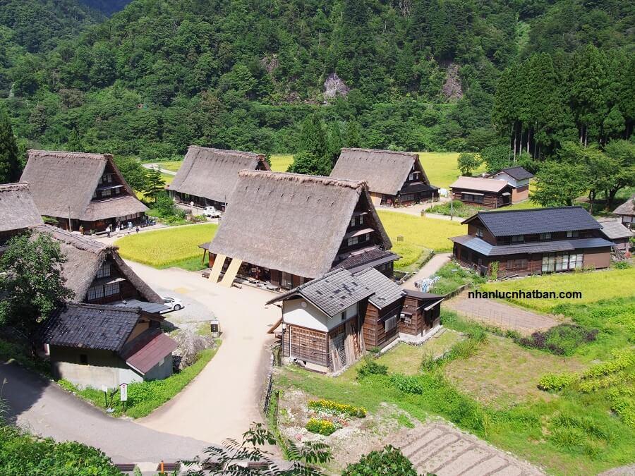 Hai ngôi làng cổ Gokayama