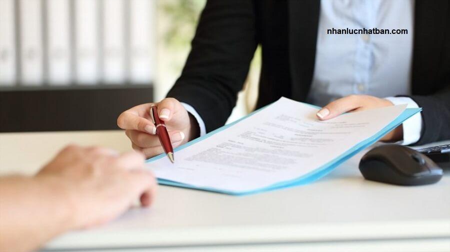 Không đặt bút kí hợp đồng lao động khi chưa hiểu rõ