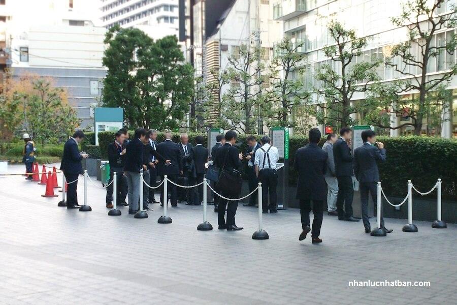 Khu vực dành cho người hút thuốc lá ở Nhật Bản