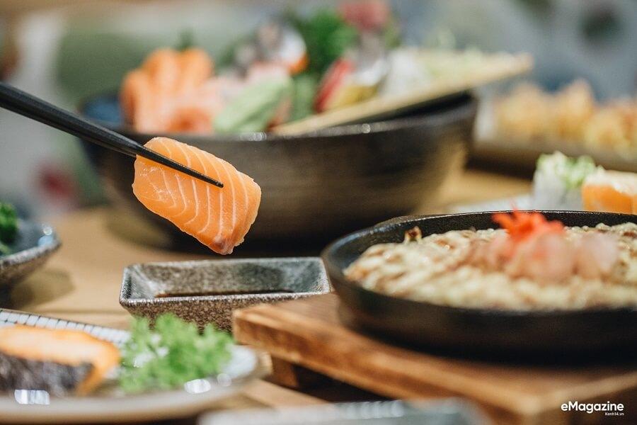 Món ăn sashimi